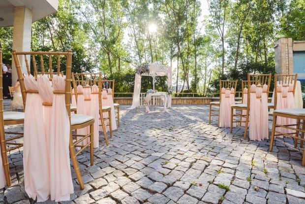 Градината на зала София