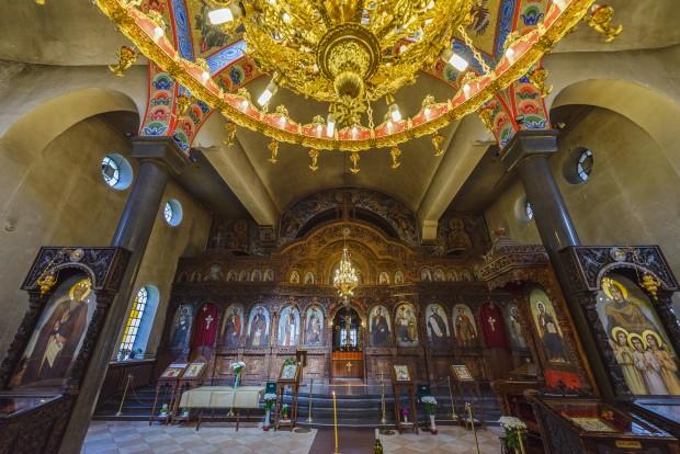 """Олтар на църквата """"Света Троица"""""""