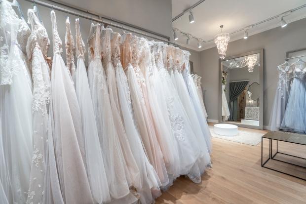 Интериор на Mille Bridal - салон за булчински рокли